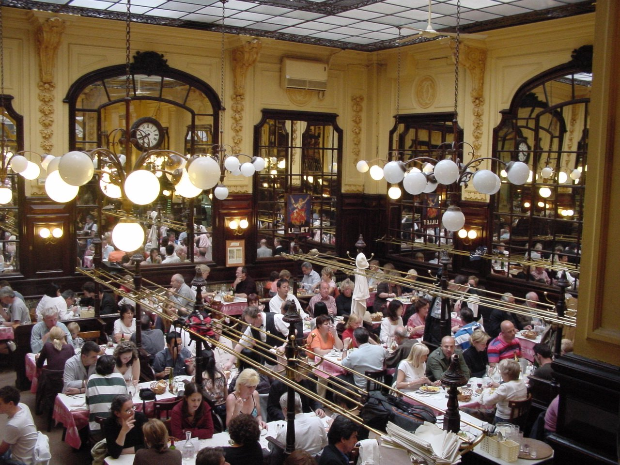 457/Photos/restos/chartier_resto_paris.jpg